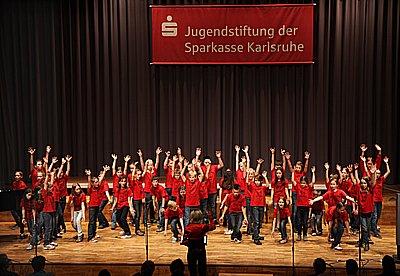 Die Chorklassen 3 und 4 der Pestalozzischule Blankenloch