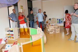 Besichtigung des neuen Kleinkinder-Betreuungs-Raumes durch den Ortschaftsrat