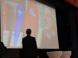 Regierungssprecher Hoogvliet zeigt Video