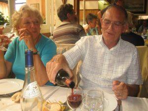Hugues Bellettre mit Ehefrau Helene bei einer Partnerschaftsbegegnung