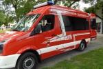 Feuerwehr befreit eingeklemmtes Kind