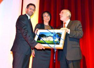 Auch Oberbürgermeister Klaus Demal gehörte zu den Gratulanten, gemeinsam mit Marina Kammerer-Röckl und Andreas Röckl