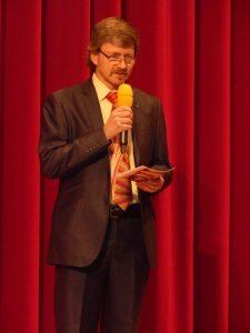 Moderator Dr. Klaus Mayer