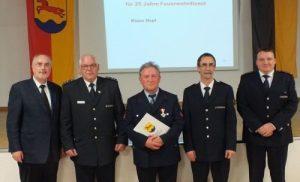 Oberbürgermeister Klaus Demal, Werner Rüssel, der geehrte Klaus Dopf, Klaus Dieter Süß und Heiko Baier (v.l.n.r.)