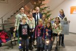 Pfadfinder übergeben Friedenslicht in Stutensee